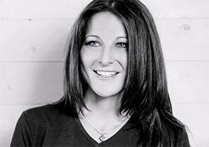 Nina-Nike Höllinger, Kommunikations- und Präsentations-Expertin
